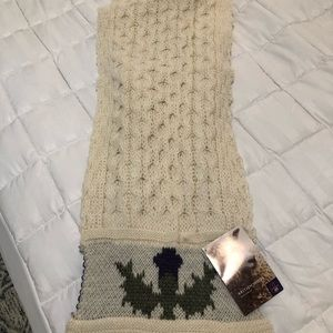 100% British wool knit scarf is new with tags